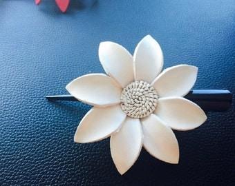 White leather flowe hair clip