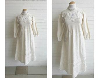 Vintage 70s cotton peasant dress . hippie boho dress