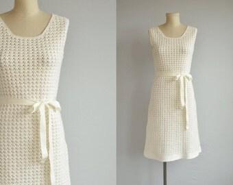 Vintage 60s Crochet Lace Dress / 1960s Mod Off White Hand Crochet Lace Dress