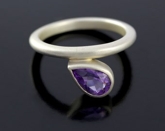 Pear Shape Amethyst Solitaire Ring. Teardrop Amethyst Promise Ring in 925 Sterling Silver - CS1525