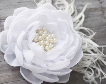 White Wedding, Bridal Flower, Hair Accessories, Hair Clip, Wedding, Chiffon Flower, Bridesmaid Fascinator, Feather, Hair Piece, Hair Flower