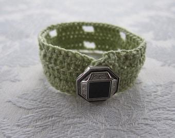 Green Cuff Bracelet Crocheted, Crochet Jewelry, Button Accent Bracelet, Crocheted Cuff Bracelet, Crocheted Bracelet, Button Jewelry