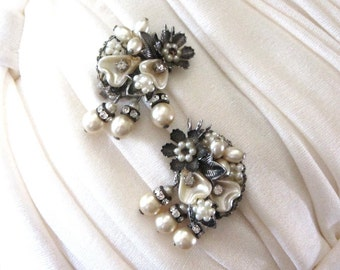 1950s Beau Jewels Unique Rhinestone Thermoset Lucite and Pearl Dangles Silver and Buff Floral Bridal Trendy Mid Century Jewelry
