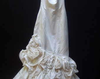 Scaasi White Satin Ruched Applique Mermaid Wedding Gown