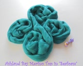 Dyed Merino Top from Ashland Bay - 2 oz of 21.5 Micron Combed Top for Spinning or Felting in Seafoam - Deep Teal Merino Top/Merino Roving