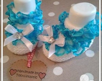 1 Pair White and Turquoise Hand Knitted Baby Shoes - 0-3 months size only - Girl - Made by Tootsietastic - READY TO SHIP