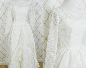 Vintage 1950's Lace White Wedding Dress with Long Train - Macy's Wedding Gown - 50's Grace Kelly Style Wedding Dress - Ladies Size Small