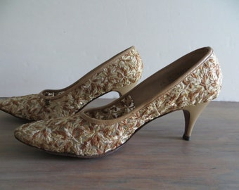 Vintage 60s womens shoes, lace shoes, ladies pumps, brown beige Cosmopolitans