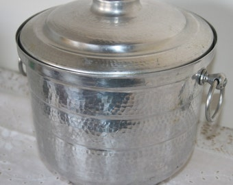 Vintage Gailstyn Hammered Aluminum Ice Bucket Made in USA