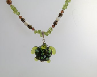 August Turtle Glass Pendant with Peridot