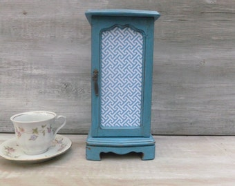 Necklace Hanger/Jewelry Box Painted Ocean Blue