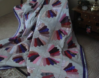 Lovely king-size comforter of pink and purple fans on gray moire