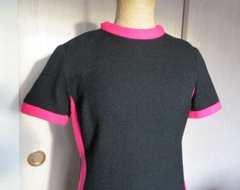 1960s pink and black jersey knit MOD  dress with pink bow  size Medium/ Large