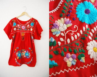 Vintage Red Embroidered Flower Floral Mexican Dress / Boho Hippie Bohemian / Colorful / Kaftan
