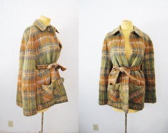 Vintage 70s Scotish Plaid Tartan Mohair Cape Coat Jacket Fuzzy Winter Trend Matching Belt