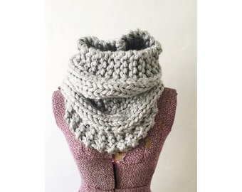 KNIT COWL INFINITY - Hand Knitted Neckwarmer Cowl Circle Infinity Scarf, extra chunky knit light silvery grey cowl, cowl in silver
