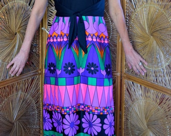 Absolutely adorable Tori Richards Honolulu maxi dress / muu muu.