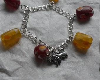 Griffindor - Glass beaded charm bracelet