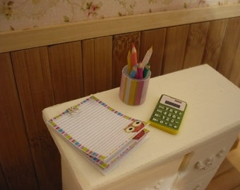 notebook, pot with 6 paintings and calculator for pullip blythe momoko dall, doll house