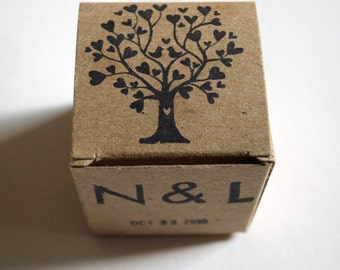 100 Wedding Favors Love Birds Tree of Life Wedding Date Monogram , Rustic Wedding Kraft favors box, Party Favors Box