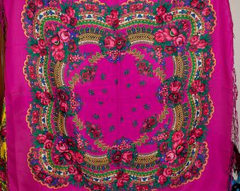 Russian shawl. Ukrainian shawl. Ethnic Floral shawl, Chic pink scarf, Mantón hustka. Babushka head scarf. Folk Scarf, Traditional Platok