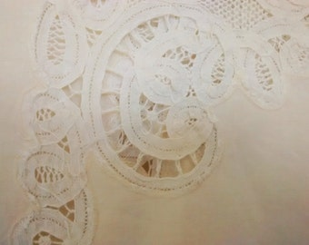 "Battenburg Lace Tablecloth, Large Oval Center Medallion, Linen Tablecloth, Vintage 91 x 55"", Wedding Decor"