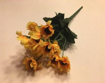 14 bloom sunflower bouquet  (R10)