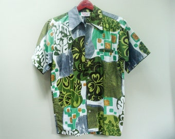 Fabulous vintage hawaiian shirt - great colors and pattern - Small