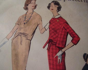 Vintage 1960's Vogue 9583 Two Piece Dress Sewing Pattern, Size 14, Bust 34