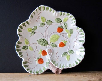 Ceramic Strawberry Dish, Hand Painted Pottery, Strawberry Dish, Strawberry Plate, Vintage Decor, Candy Dish, Dishes Vintage, Serving Dish