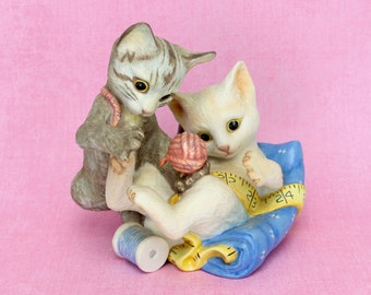 Vintage Kittens Figurine  Playful Kittens, Franklin Mint Cats, White Gray Kitten Figurine, Franklin Mint Collectible Rascals 1988 Epsteam