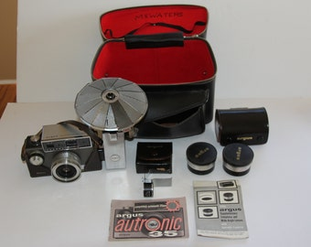 Vintage Argus Autronic 35 35mm camera with bag