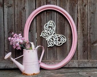 """22"""" Vintage Oval Frame - Large Pink Empty Wall or Fence Frame - Open Hanging Frame - Vintage Homeco"""