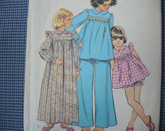 vintage 1970s simplicity sewing pattern 5999 Girls pajamas and nightgown size 4