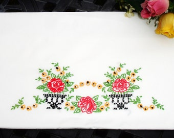 Pillowcase, Single, Hand embroidered, hand made, 1910s, Victorian Pillowcase, Twin bedding, Standard size, Guest room, Shabby chic decor