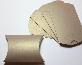 20pcs. Kraft Perle shiny Gold Pillow Boxes, Favor Box, Gift Box