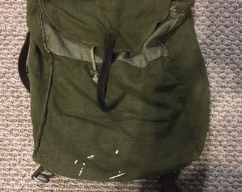 World War I french soldier backpack WWI