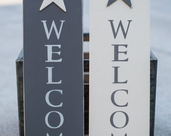 Wooden Welcome Sign With Double Stars and Wire