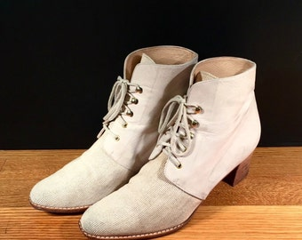 Size 8 Vintage Stuart Weitzman Boots 1980s Cream Leather and Canvas Lace Up Booties Vintage Designer Heeled Ankle Booties