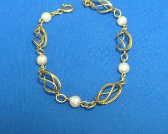 CulturedPearl  Bracelet ... 1/20 - 12k - Gold Filled ... Twisted Open Cage Link ... Spring Clasp.