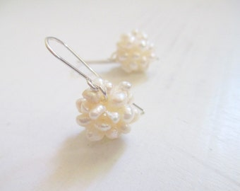 Bridal earrings, cluster Pearl earrings, silver earrings, dangle earrings, wedding jewelry, pearl jewelry, silver pearl earrings