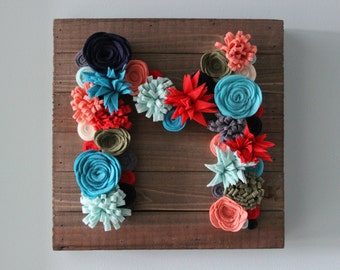 NEW Monogram Sign/Monogram Felt Flower Sign/Wood Pallet/Wood Plank Sign/Personalized/Pick Colors/Colorful/Succulent/Unique Gift/Wall Hanging