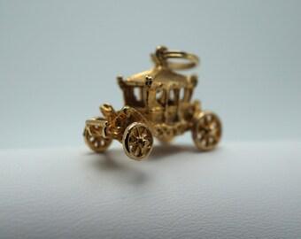 Vintage English Stage Coach Gold Charm .375 9 Karat Great Britain