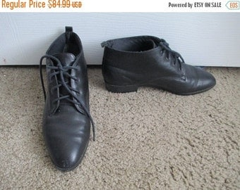 80% Off WINTER SALE Vintage 80s 1980s Black Leather Granny Short Flat Ankle Lace Up Low Heel Hipster Pointy Toe Boots Shoes Sz 7