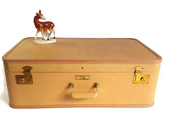 "Vintage JC Higgins Peach Suitcase - 50s 60s Hardside Luggage - Retro Travel Burlesque Pin Up Valise Case - Large 24"""