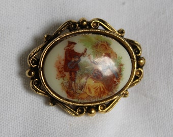 Vintage Oval BROOCH on Brass with LOVERS SCENE Valentines Gift