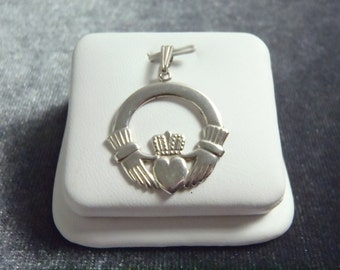 Sterling Silver Claddagh Pendant P160