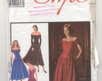 Style 1649 Misses Party or Evening dress Vintage sewing Pattern