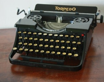 Rare 1933 Torpedo Model 15a - With gorgeous light yellow glass keys - Torpedo typewriter Model 15a