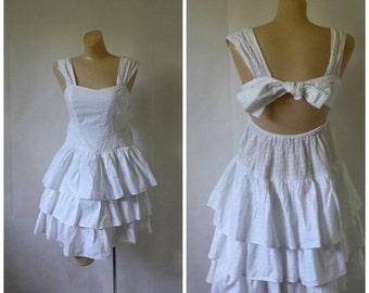 Sale Vintage India Cotton Dress / White Sundress /  India Summer Dress / Tiered Cotton Sundress S